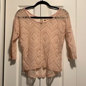 Eyeshadow soft pink lace top